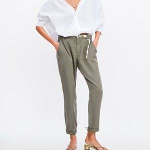 Zara | Pleated lightweight pants